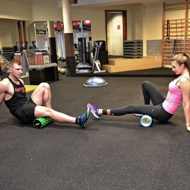 Trening online - Łukasz Kończak trening na siłowni